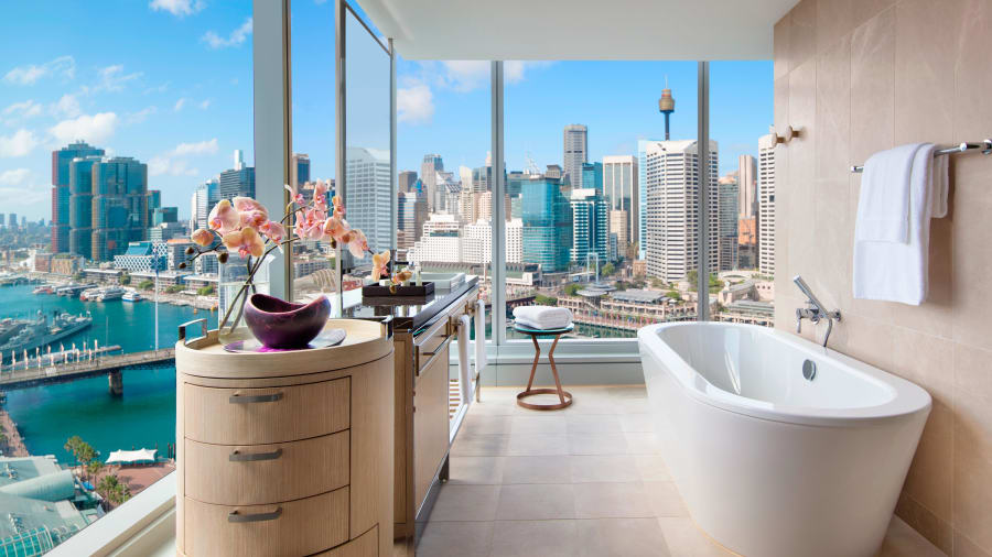10 hotel bathtubs with jaw-dropping views | CNN